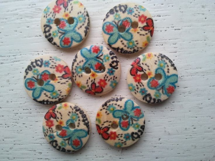 Hout bedrukt   FF   15-mm    per 5 stuks -   #Inges baby breihoekje  deze knoopjes kosten maar Euro 0,05 per stuk