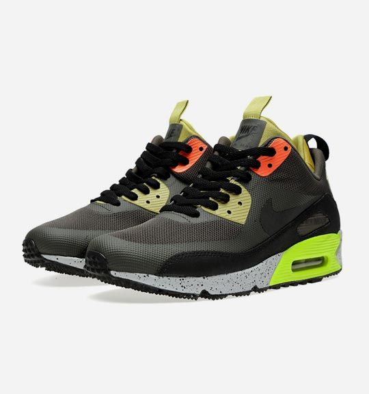 Love a good sneaker boot | buyers-guide-winter-sneakers-nike-air-max-90-sneakerboot