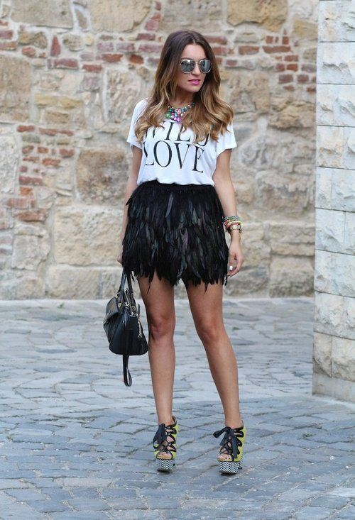 Falda en plumas