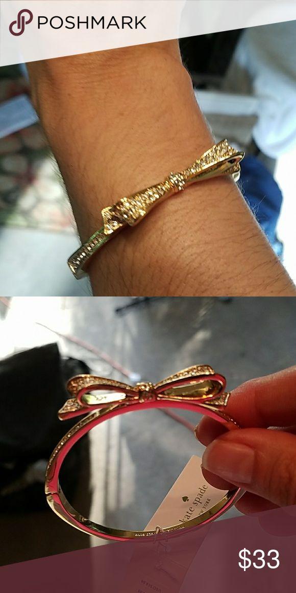 NWT Kate Spade sparkle bow bracelet NWT Kate Spade sparkle bow bracelet. Absolutely beautiful!!!! A must have bracelet!!!! I think jewelry enhances any outfit. kate spade Jewelry Bracelets
