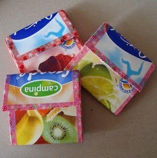 Goedkope knutsel tips van Speelgoedbank Amsterdam voor ouders en kinderen. Maak van een melk pak een portemonnee. Goedkoop knutselen / recycle / upcycle