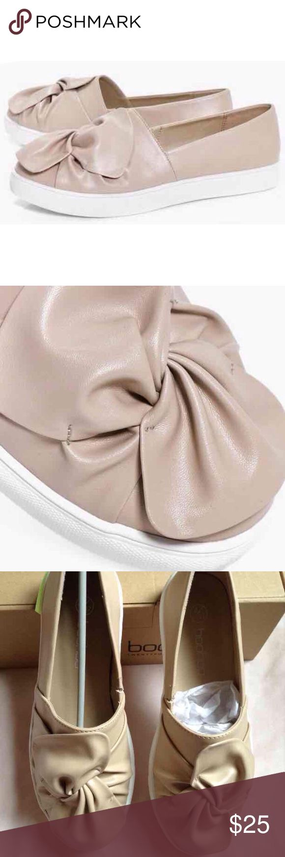 Nude Leather Bow Sneakers New with tags in box(: Never used. Size 6.5 in US Women's purchased from BooHoo #new #boohoo #leather #nude #beige #fashion #sneakers #womens #ladies #nwt #newinbox #slipon #loafers #flats Boohoo Shoes Sneakers