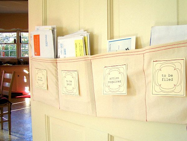 Mail sorter for family roomOrganic Tips, Organic Ideas, Mail Organic, Diy Organic, Small Spaces, Mail Sorter, Home Offices, Diy Projects, Offices Organic