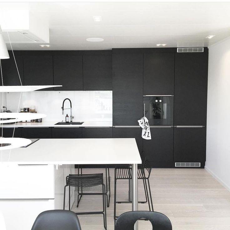 ✖️Loving This Image We Stumbled Across On @noeblog Featuring A @jkedesignas  Kitchen Setup