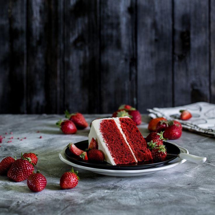 Сначала хочется сказать пару слов о составе торта, а именно о количестве масла и красителя, так как они вызывают наибольшее число со...