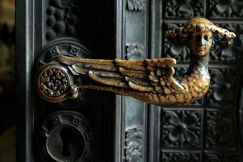 vmburkhardt:    vmburkhardt:  Door knob at entrance to the Kölner Dom, Germany ~ Photo by …every.seven…