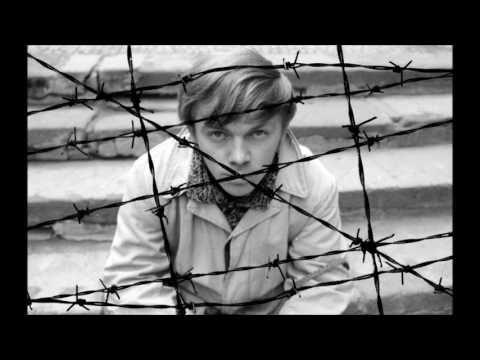Karel Kryl - Lasko - YouTube
