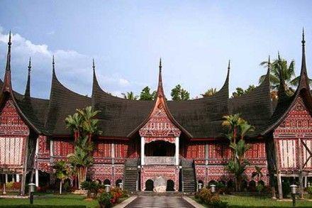 Mengunjungi Tempat Wisata di Kota Budaya Batusangkar