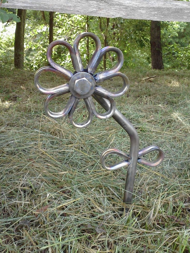 25+ unique Metal yard art ideas on Pinterest | Recycled ...