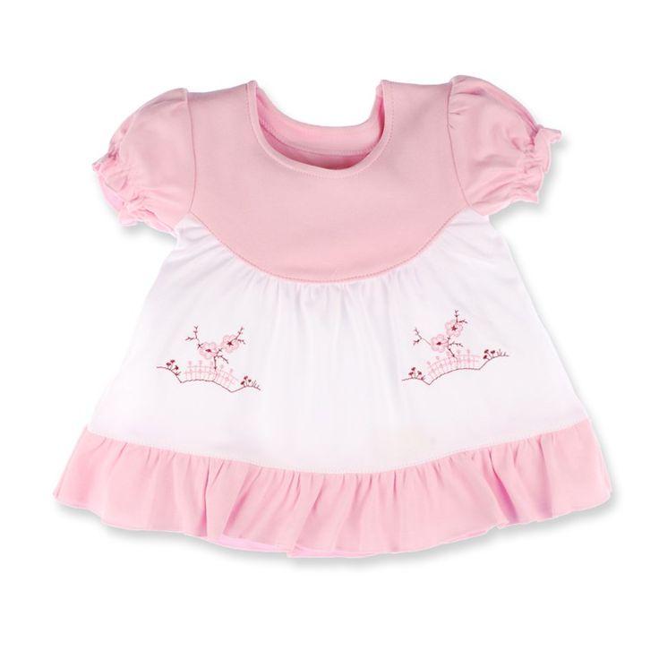 Aceasta rochie Pifou nu-ți garantează că fetița ta va fi... doctoriță... profesoară... directoare, dar îți spunem sigur că va fi cea mai cochetă domnișoara la orice petrecere de copii veți merge.