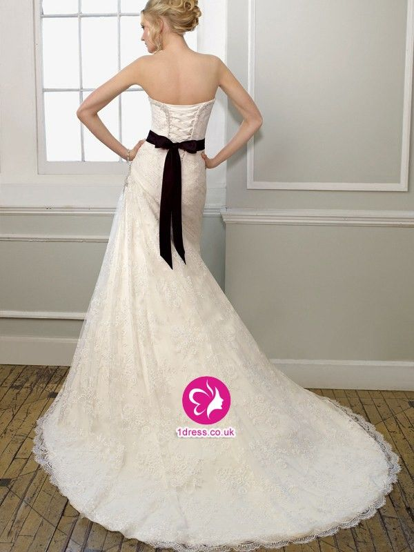 A-line Sweetheart Beading Sleeveless Court Trains Lace Wedding Dressess (UK0254416)
