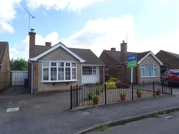 2 bedroom detached bungalow for sale - Neville Drive, Coalville, Leicestershire Full description           ** AN ATTRACTIVE DETACHED BUNGALOW IN SUPERB RESIDENTIAL LOCATION CONVENIENTLY PLACED FOR THE LOCAL FACILITIES AND OFFERED WITH NO UPWARD CHAIN. EPC RATING F. Sinclair Estate Agents are pleased to offer this delightful bungalow which features a reception hall, two... #coalville #property https://coalville.mylocalproperties.co.uk/property/2-bedroom-detached-bungalow-fo