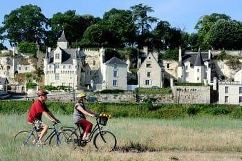 Véloroutes, voies vertes, pistes cyclables ou chemins forestiers... découvrez les plus belles balades pour pédaler tout en prenant le temps d'apprécier la beauté des paysages de notre douce France.