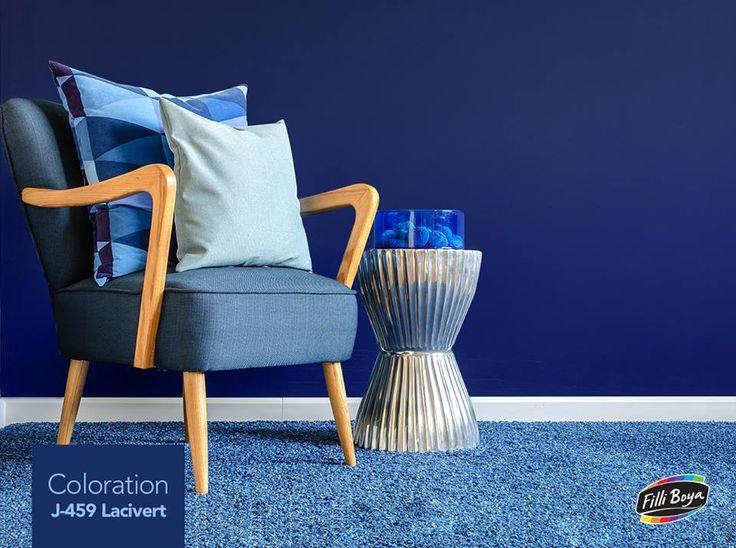 Sezgileri güçlendiren ve kararlılığı sembolize eden Lacivert rengini, mavinin tonlarıyla kombinleyip çalışma odalarınızda kullanarak iş verimliliğini arttırabilirsiniz.