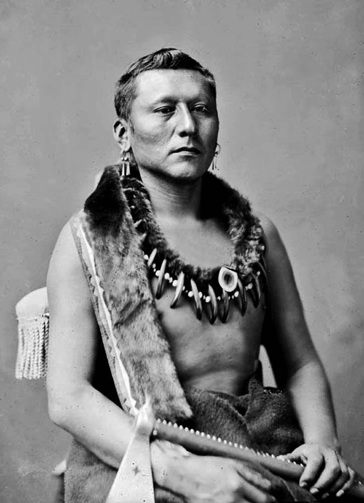 Osage Chief Black Dog - Shon-ton-ca-be 1876 --- (Note that it appears that his hair has been cut off to conform to the White standards, and then he was put in more traditional dress for the photograph).