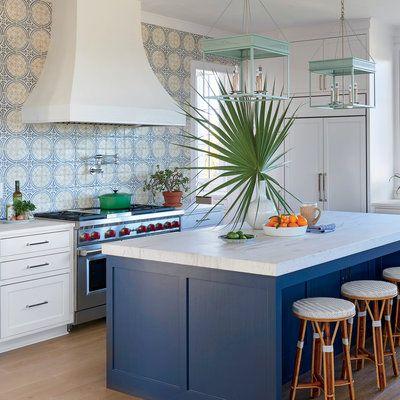 splashy kitchen - Coastal Kitchen Ideas