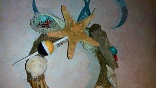 my creations : στεφανάκια με θαλασσόξυλα και κοχύλια