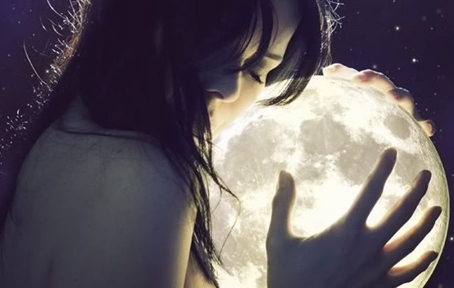 What is a moon sign?  Your moon sign controls all of your subconscious. Where as your star sign rules over your day-to-day mannerisms, your moon sign is your soul. It presides over your emotions, subconscious and