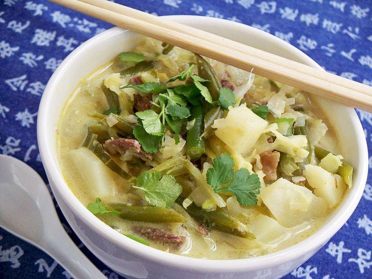 Lauk Sayor - Malaysian beef and vegetable curry soup.