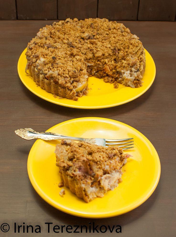 Apple crumble tart with walnuts / Яблочный крамбл с грецкими орехами