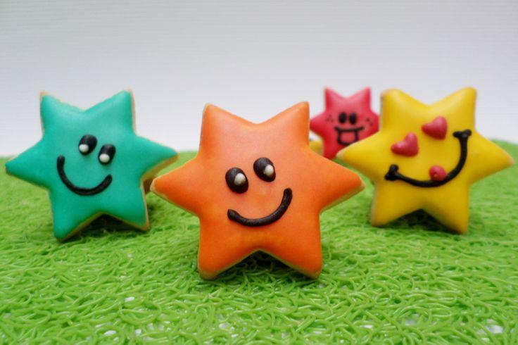 Galletas con decoración de estrellas.  #Galletas #Cookies #Decoradas #Decoration #Stars