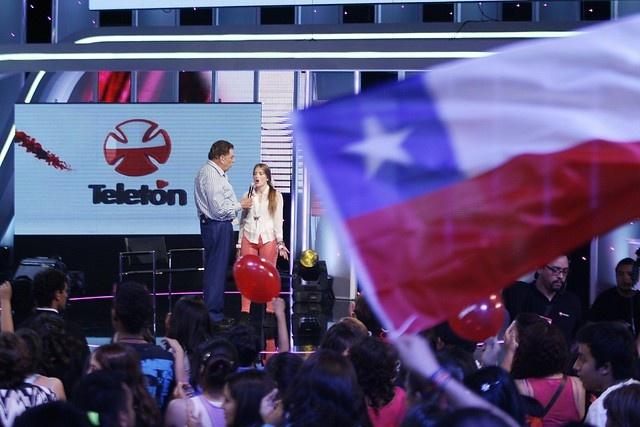 01 de DICIEMBRE 2012/SANTIAGO   Ultimas entrevista y computo, en el Teatro Teleton, luego se dirigen al Estadio Nacional para el cierre del evento.   FOTO: JONAZ GOMEZSANTIAGO