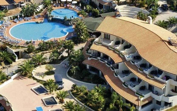 Strandurlaub in Kalabrien: 7 Tage im 4-Sterne Hotel mit Halbpension Plus, Flug und Transfer zum Hotel ab 386 € - Urlaubsheld | Dein Urlaubsportal