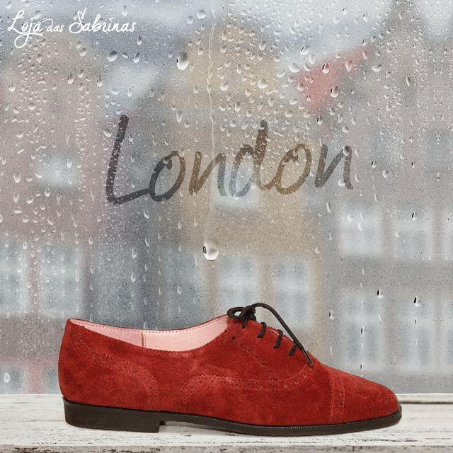 NOVIDADE! London é um novo modelo cosmopolita e irreverente de inspiração londrina que se vem juntar a si esta estação! O seu tom avermelhado desperta o seu interesse?  Descubra mais aqui: http://www.lojadassabrinas.com/product/london