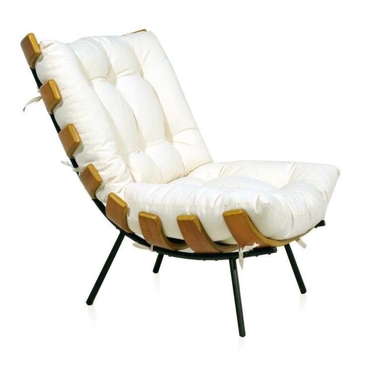 Poltrona com estrutura em metal, ripas em multilaminado imbuia. Assento e encosto em tecido. Possibilidade de revestimento em couro ecológico ou couro natural. Fabricação Desmobilia.Dimensões: Largura 72 cm   Profundidade 86 cm   Altura 81 cm   Altura do assento 41 cm.