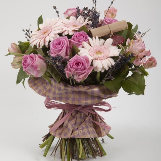 Букет Королевская лаванда Size - L. Курьерская доставка цветов на заказ: домой, в офис, в другой город. Прием заказов через интернет в Москве