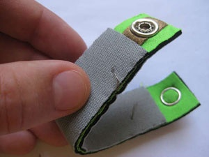 Hannah Perner-Wilson's DIY soft circuit bend sensor. via talk2myshirt  (August 2008) #sensor