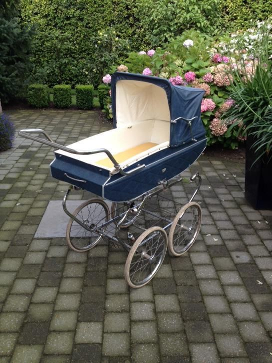 vintage van delft kinderwagen vintage kinderwagens. Black Bedroom Furniture Sets. Home Design Ideas