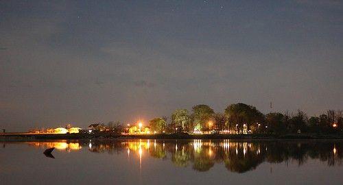 Lacul Amara este un lac natural – fost liman fluviatil barat cu aluviuni, situat într-o depresiune (Crivaia) – veche matcă a râului Ialomița...