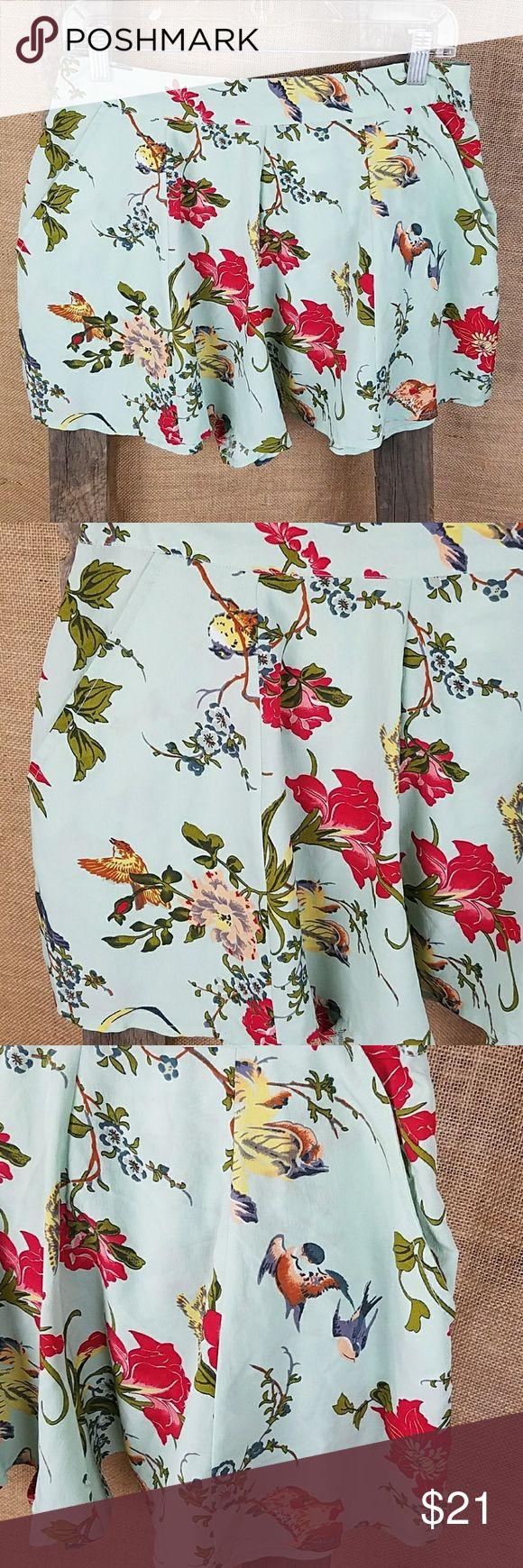 "asos petite women's 8 floral mint color flare bird asos petite women's 8 floral mint color flare short pants.  Waist side to side: 15.25"" Length: 15"" ASOS Petite Shorts"