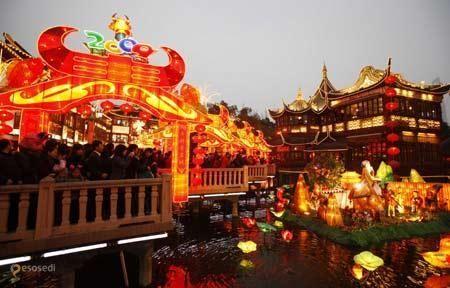 Сад Юй Юань – #Китай #Шанхай (#CN_31) В каждой стране существует собственная классика садового искусства. Yuyuan Garden - самый что ни на есть классический китайский сад - не очень много зелени, зато в избытке построек, камней и воды! http://ru.esosedi.org/CN/31/1000078617/sad_yuy_yuan/
