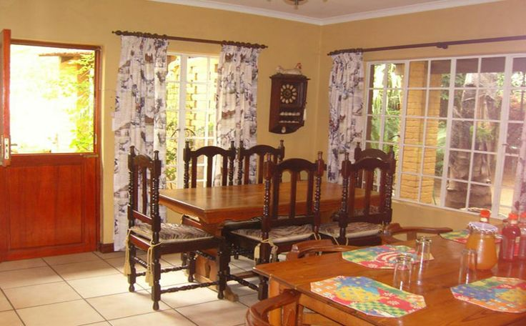 The Roosters Nest Bed & Breakfast