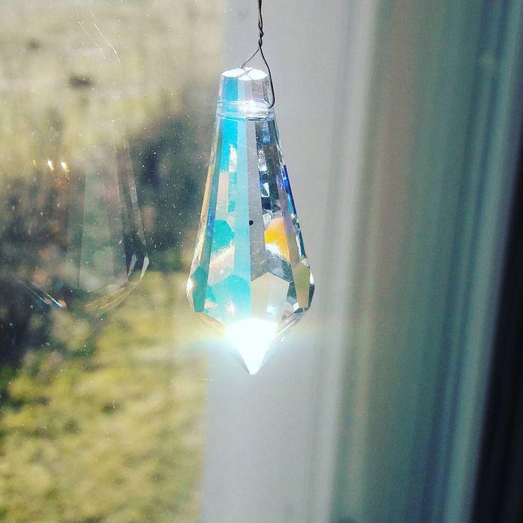 #Hyväähuomenta  #kristalli   #säteilee   #aamuauringossa  #lahjaystävältä   #terveisiä#Ouluun