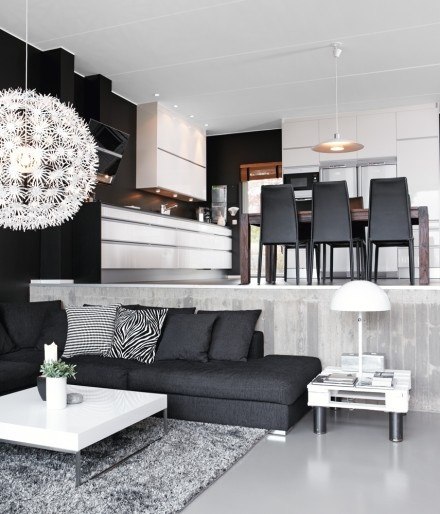 Black and white living. Image from Skona Hem.