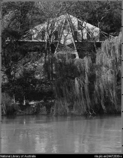 The house of architect Peter McIntyre on the Yarra at Hawthorn, Melbourne, 1956