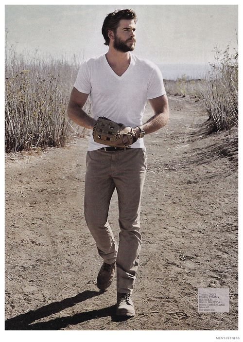 Liam-Hemsworth-Mens-Fitness-December-2014-Cover-Photo-Shoot-002