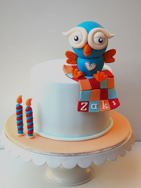 Giggle and Hoot by mio cupcakes, via Flickr