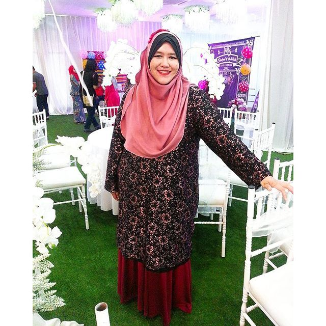 Lisa Long Lace Top by @cerraazizi donning the dusty pink Lisa in her wedding marathon in the weekend.