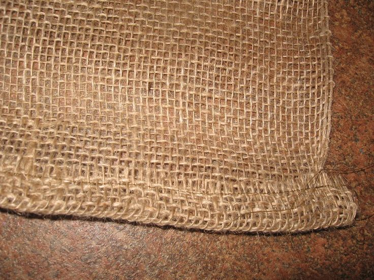 This burlap kitchen curtain tutorial is fast and easy. Only basic sewing skills required!