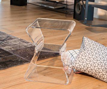 5 BONNES RAISONS DE REFAIRE SA DÉCO AVEC DES MEUBLES TRANSPARENTS... l'article à l'adresse suivante http://www.davidlange.com/blog/5-bonnes-raisons-de-refaire-sa-deco-avec-des-meubles-transparents/