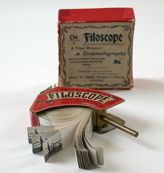 Filoscope toy mutoscope: The soldier's embrace
