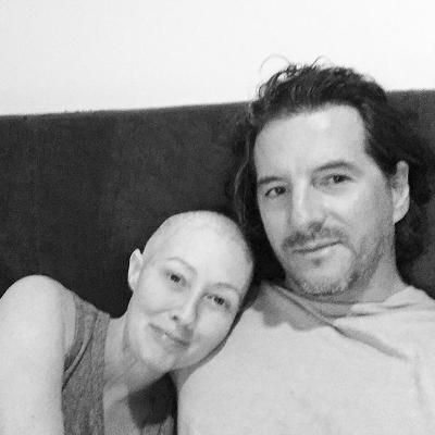 """Shannen Doherty Calls Herself a """"Lucky Girl"""" in a Touching Selfie with Her Husband Amid Cancer Battle"""
