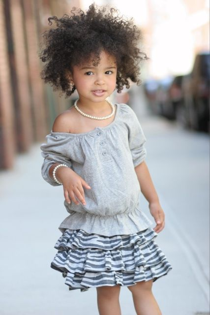 Such a beautiful girl with her #curls...