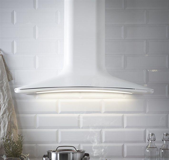 HARMONISK väggmonterad köksfläkt 85 cm vit, 6 995 kr.Köksfläkten HARMONISK är ett praktiskt och strömlinjeformat tillskott i ditt kök. Det har en touchkontrollpanel på framsidan för att reglera luftströmmen, ett diskmaskintåligt filter samt inbyggda LED lampor som ger energisnål punktbelysning. HARMONISK väggmonterad köksfläkt 85 cm vit, 6 995 kr.