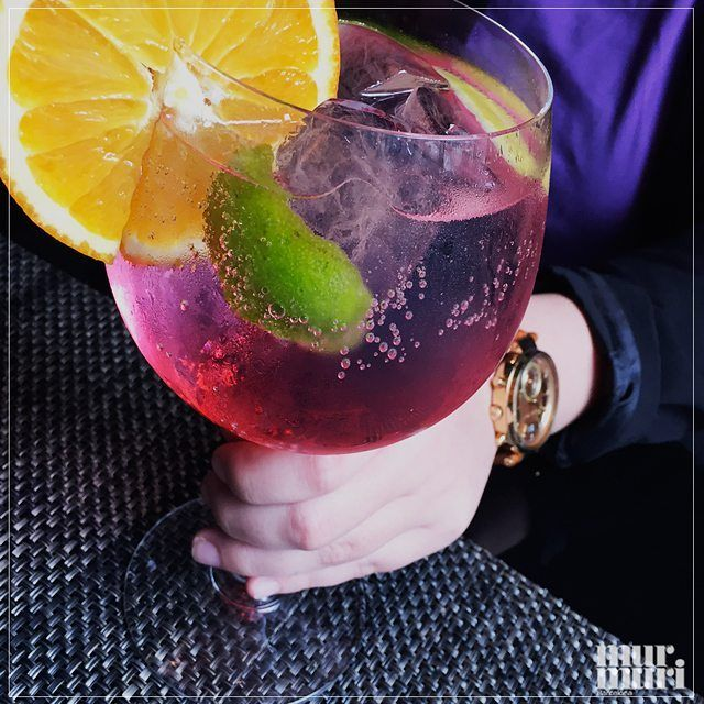 Hold the style and come to our Afterwork  today at 19h ! No pierdas el estilo, ven a nuestro Afertwork! #murmuriexperience  #gintonics #friends #afterwork #barmarfil