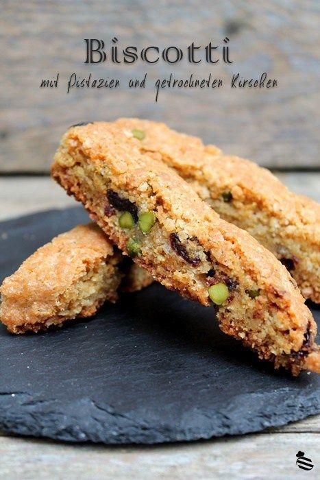 biscotti con pistacchi e ciliege secche